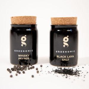 cadeau écologique sel noir de lave et poivre au whisky