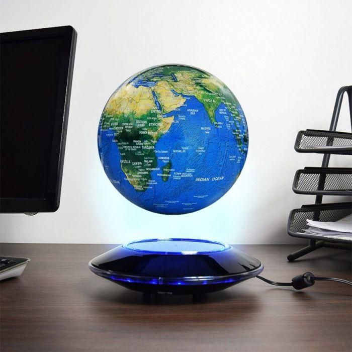 Globe flottant lumineux