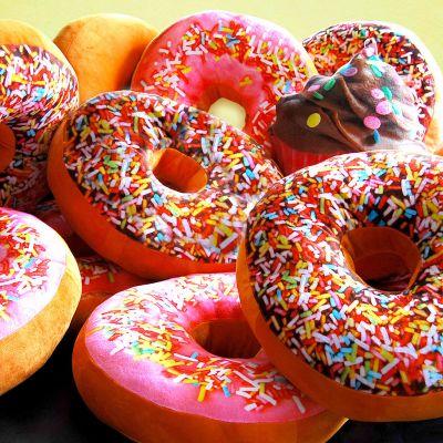 Idées cadeaux pour mettre dans le calendrier de l'avent - Coussin Donut