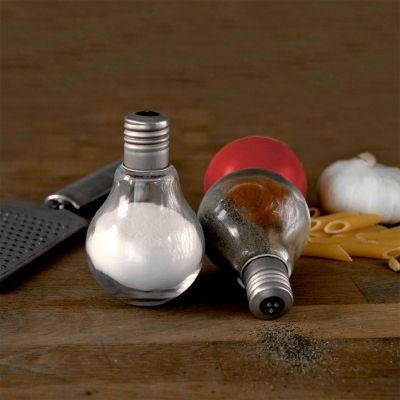 Idées cadeaux pour mettre dans le calendrier de l'avent - Salière et poivrière en forme d'ampoule