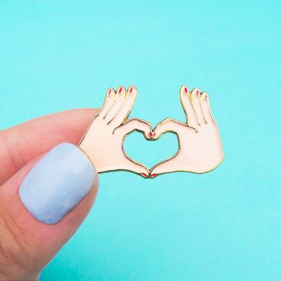 Vêtements & Accessoires - Pin's Amour