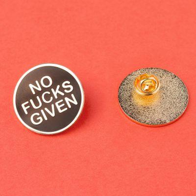 Vêtements & Accessoires - Pin's No Fucks Given