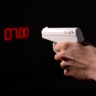 Réveils & Montres - Le pistolet-réveil qui projette l'heure