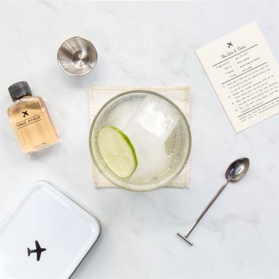 Trouver un cadeau - Kit de Voyage Carry On Cocktails