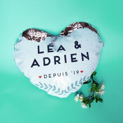 Cadeau mariage - Housse de coussin personnalisable en sequin en forme de coeur avec nom