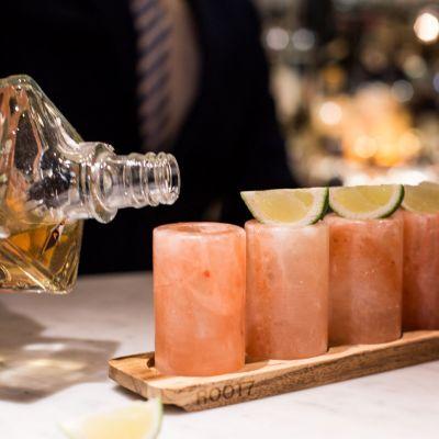 Cadeau 40 ans - Ensemble de 4 verres à shot en sel de l'Himalaya
